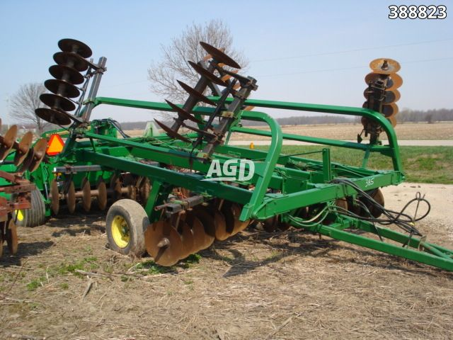Gallery image 1 for Used John Deere 230 Disc