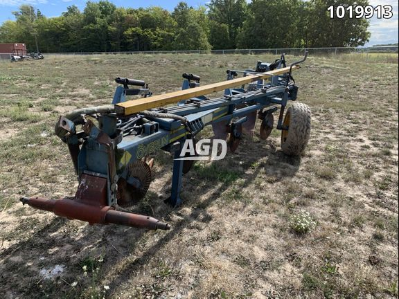Gallery image 1 for Used 1992 Overum C498 Plow