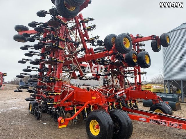 Gallery image 1 for Used 2014 Bourgault 3320 XTC- 66 Air Drill