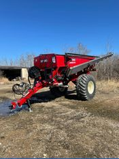 Image for article New 2020 Salford VALMAR 8711 Spreader - Fertilizer