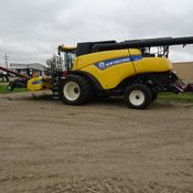 Image for article Used 2013 New Holland CR8090 Combine