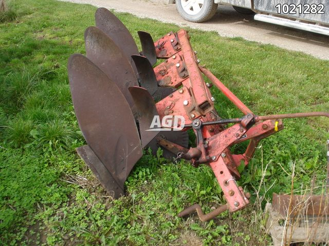 Gallery image 1 for Used Massey Ferguson 43 Plow