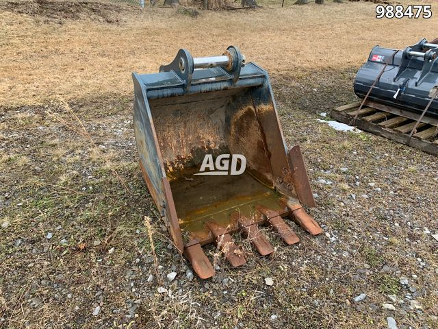 Gallery image 1 for Used 2015 Hyundai Ind R140-9 Bucket
