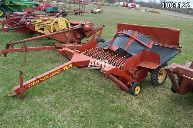 Gallery image 1 for Used New Holland 166 Windrow Inverter