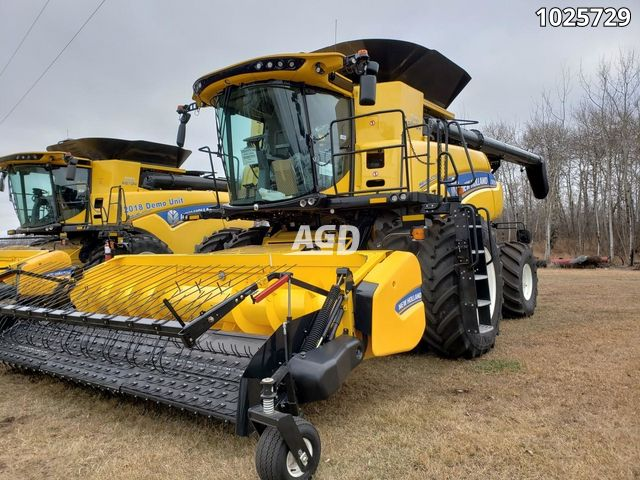 Image for Used 2018 New Holland CR8.90 Combine