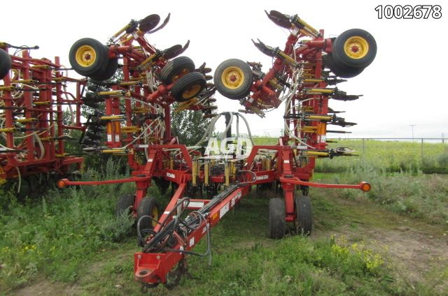 Gallery image 1 for Used 2005 Bourgault 5710 Air Drill