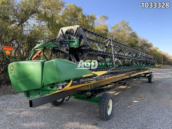 Gallery image 1 for Used 2015 John Deere 640FD Header Combine