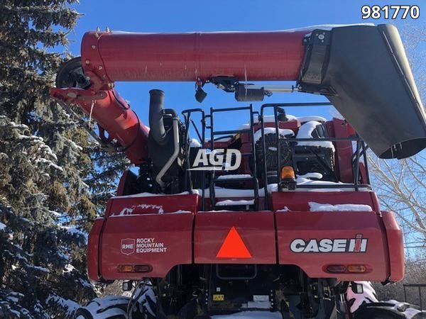 Gallery image 1 for Used 2016 Case IH 9240 Combine