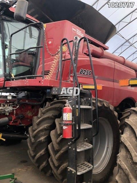 Gallery image 1 for Used 2019 Case IH 8250 Combine