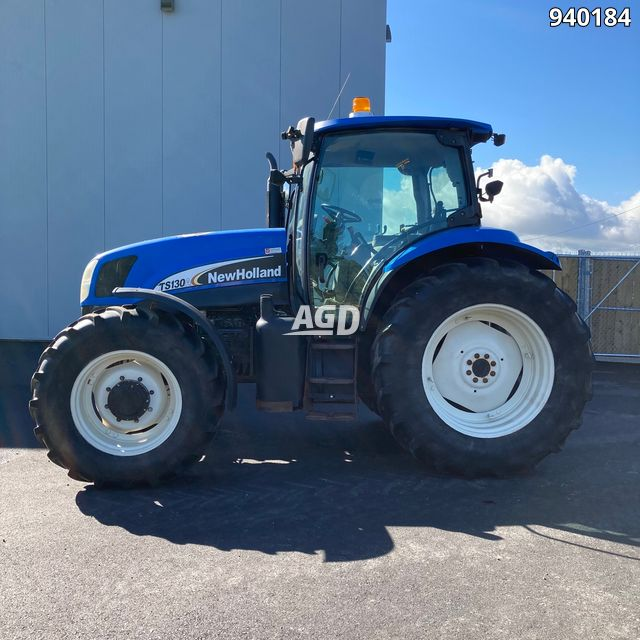 Gallery image 1 for Used 2005 New Holland TS130A Tractor