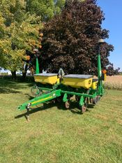 Image for article Used 2007 John Deere 1750 Planter