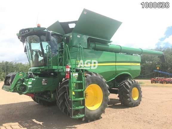 Gallery image 1 for Used 2015 John Deere S690 Combine