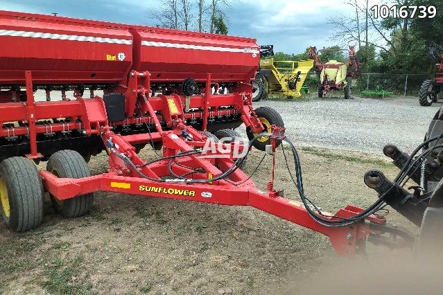 Image for Used 2014 Sunflower 9510 Seed Drill Planter