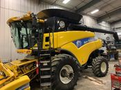 Image for article Used 2010 New Holland CR9070 Combine