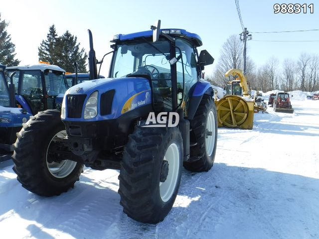 Gallery image 1 for Used New Holland TS135A Tractor