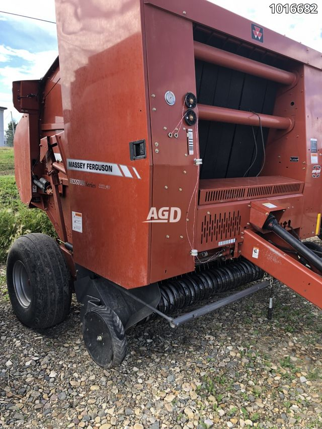 Gallery image 1 for Used 2008 Massey Ferguson 2765A Round Baler