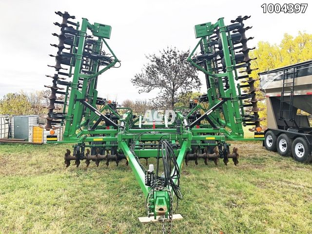 Gallery image 1 for Used 2014 Summers Mfg SC1530 Vertical Tillage