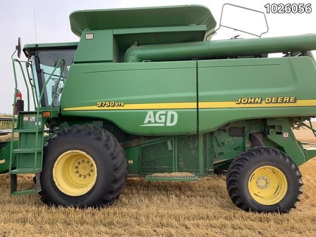 Image for Used 2001 John Deere 9750STS Combine