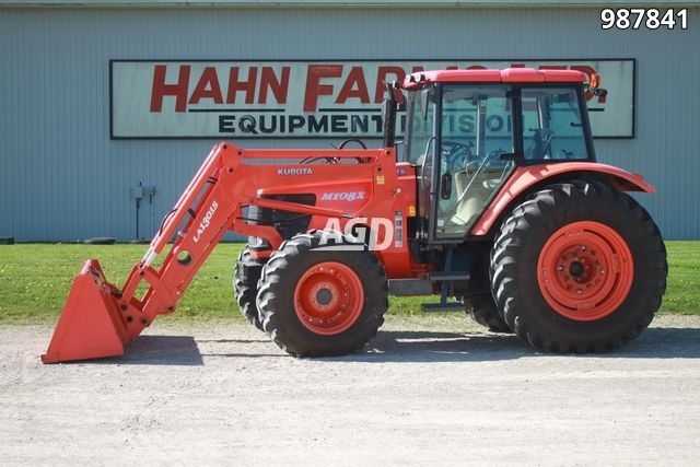 Gallery image 1 for Used 2009 Kubota M108X Tractor