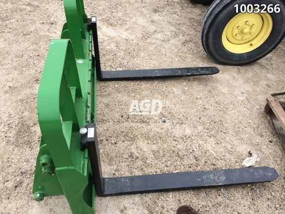Gallery image 1 for Used 2019 Horst Welding HD4242JD145 Tractor